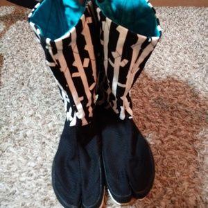 New Sou Sou Japan MadeTabi Shoes.
